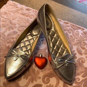 🥿MK Silver Flats size brand new!🛍🥿